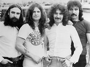 Bill, Ozzy, Gezzer e Tony Iommi, a formação original.